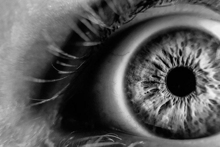Personas ciegas.