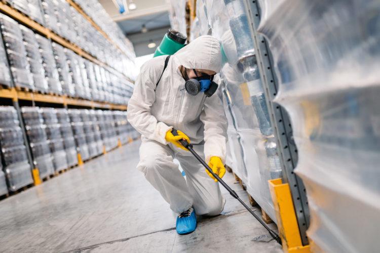 Vestuario laboral en situaciones de riesgo.