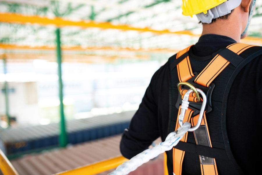 Trabajos en altura en la construcción.
